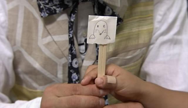 袋入りの割り箸で作った「モグラ」