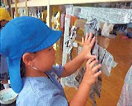 新聞紙ペタペタ窓アートのつくり方 窓にアートする