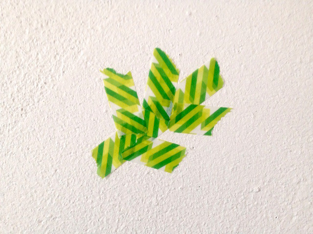 マステで壁アート